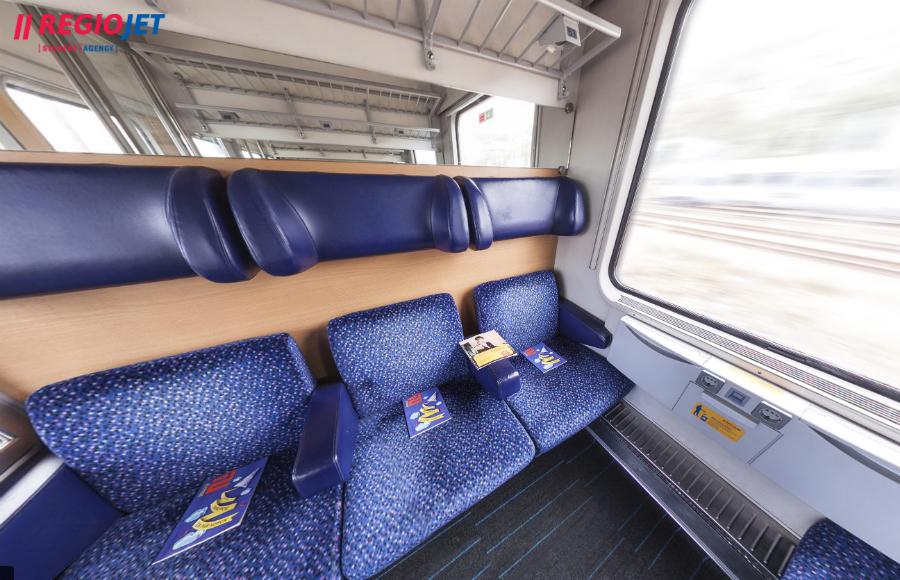 regiojet-vlak-kosice-bratislava-standard-textil