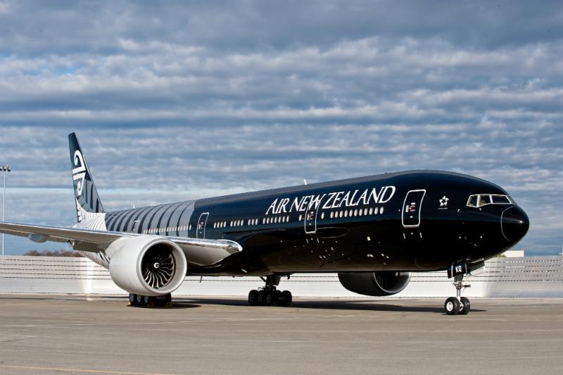 Boeing 777-300ER spoločnosti Air New Zealand v čiernom dizajne