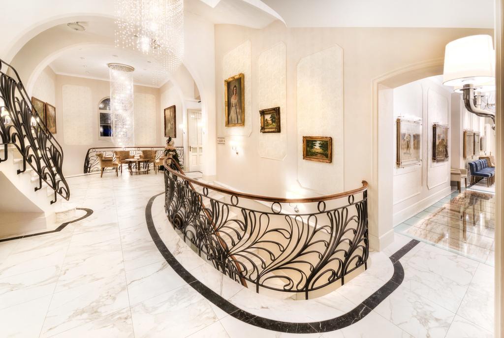 hotel-lomnica-lobby